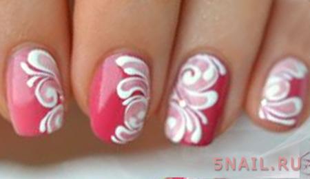 бело-розовый с узором