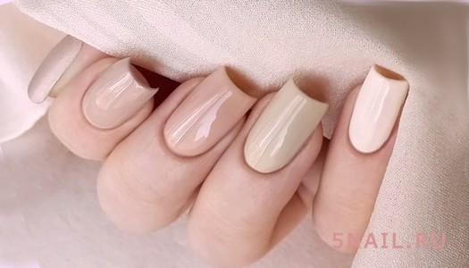 длинные бежевые ногти