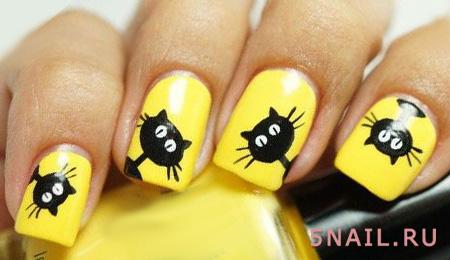 котики на желтом лаке