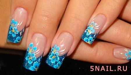 длинные ногти голубые