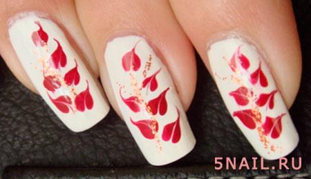 белые ногти с цветами