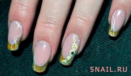 покрытие ногтей золотом