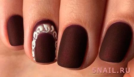 ногти в темном цвете