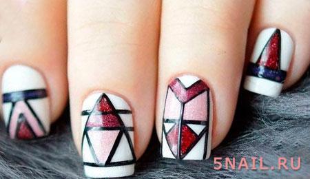 маникюр треугольники кистью