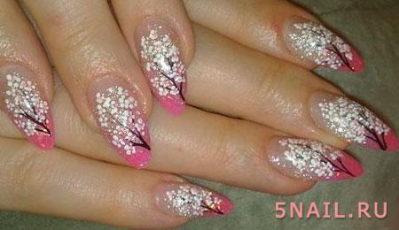 рисунок цветущее дерево на ногтях
