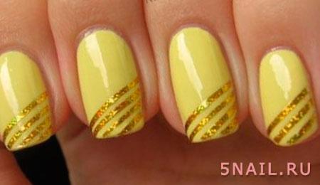 яркие ногти с золотистыми вставками