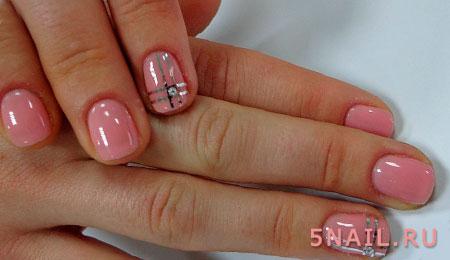 декор из лент на коротких ногтях