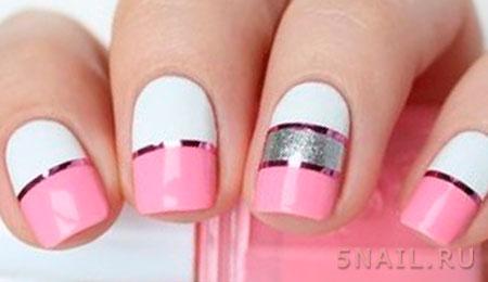 бело розовые ногти с декором