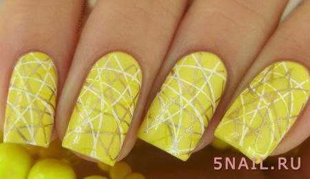 лимонное оформление ногтей