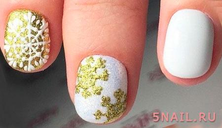 снежинки на коротких ногтях