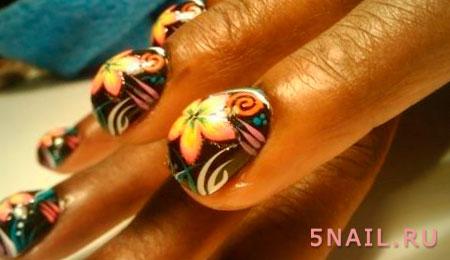 Даже такие суперкороткие ногти выглядят интересно