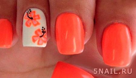оранжевый лак на коротких ногтях