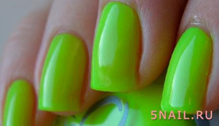 салатовый гель лак на ногтях