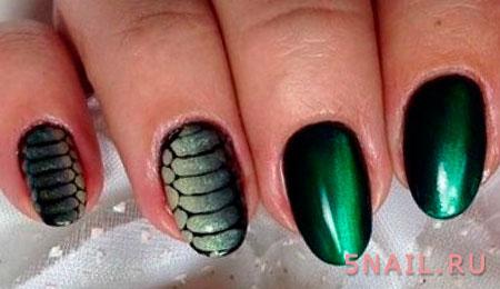 зеленый маникюр змеиный