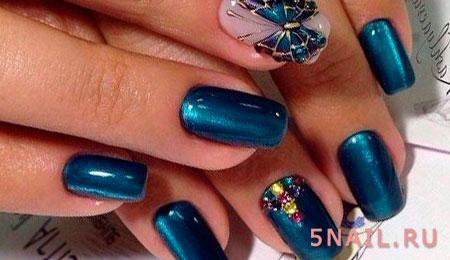 декор на синих ногтях