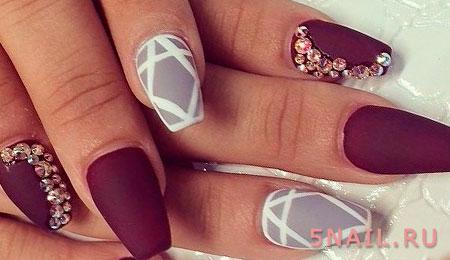 ногти сливового цвета